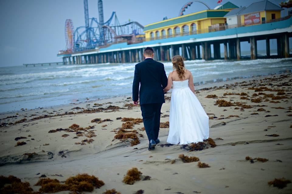 Rain Or Shine Galveston Beach Weddings