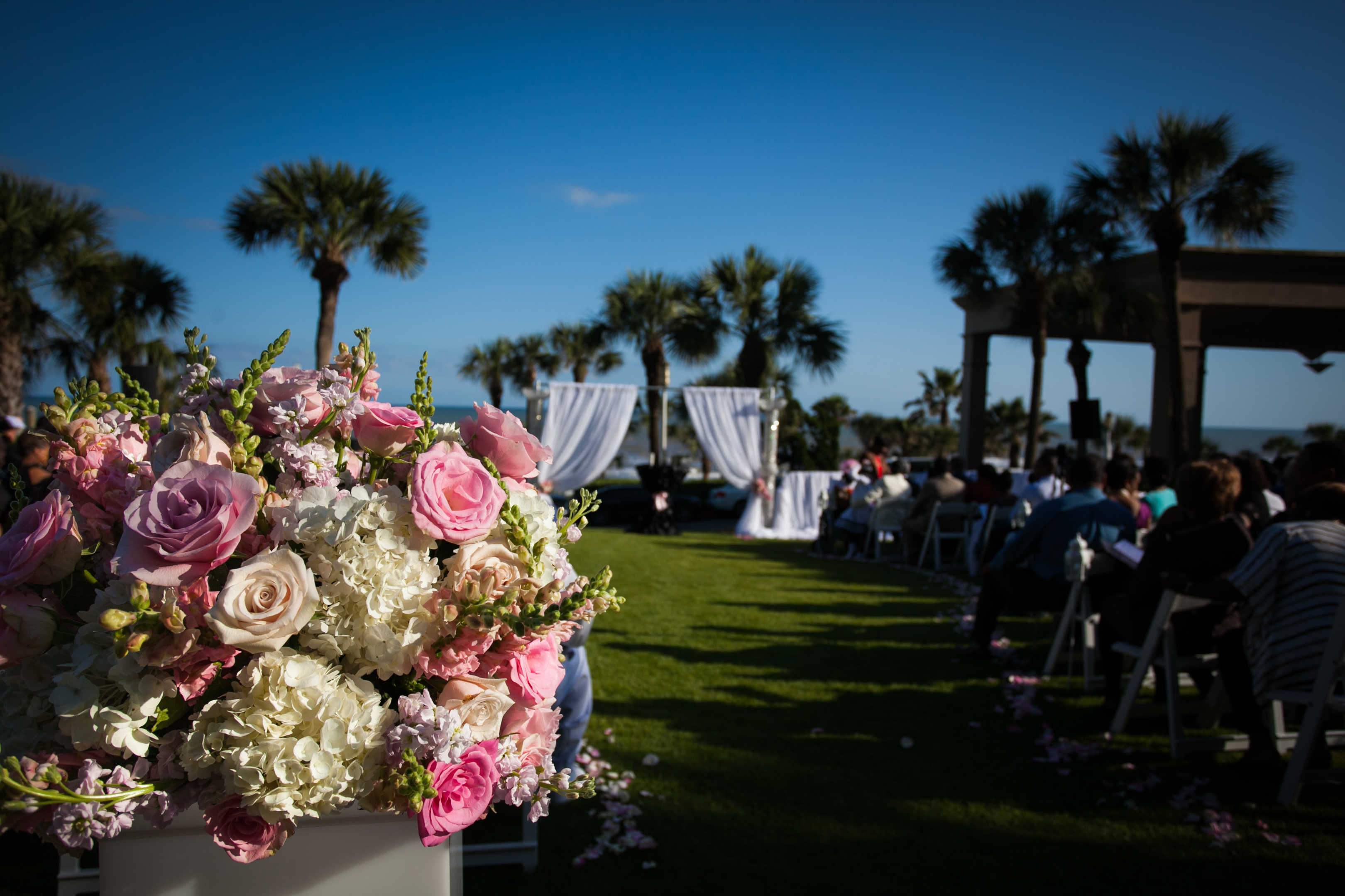 True Galveston Weddings: A San Luis Galveston Beach Backdrop Wedding